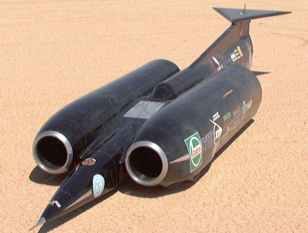 ThrustSSC chiếc xe đang giữ kỷ lục nhanh nhất thế giới với tốc độ tối đa có thể đạt được là 1.227km/h.