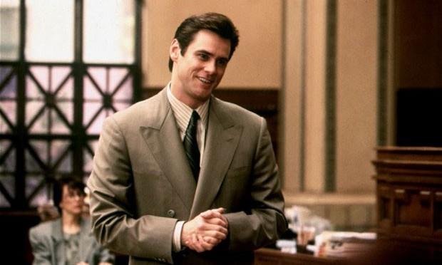 Diễn viên Jim Carrey thủ vai người bố hay nói dối trong bộ phim Liar Liar của điện ảnh Mỹ.