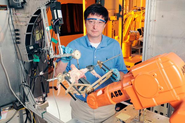 Robot có khả năng lọc thịt gà của Viện Nghiên cứu Công nghệ Georgia.