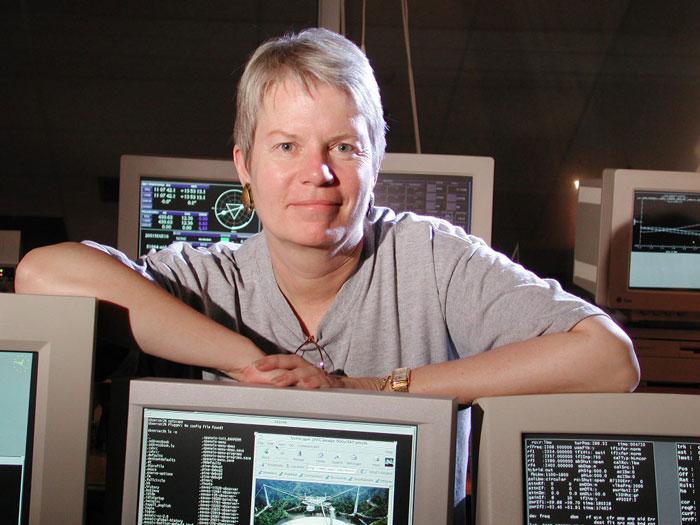 Chuyên gia săn người ngoài hành tinh Jill Tarter