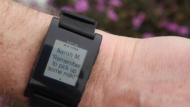 Pebble có thể hiển thị tin nhắn gửi tới điện thoại.