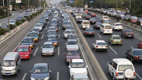ACC phát hiện khả năng gây ùn tắc giao thông của lái xe từ đó đề xuất tốc độ phù hợp để các phương tiện lưu thông tốt
