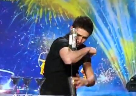 Chàng trai pha chế rượu gây sốt chương trình Ukraine's Got Talent.