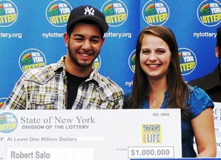 Robert Salo với số tiền 1 triệu USD trong lần nhận đầu tiên
