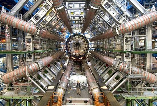 Đại học Cornell cho rằng còn xa mới có thể khẳng định chắc chắn CERN đã tìm ra hạt Higgs.