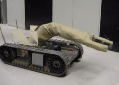 Cận cảnh PackBot với cánh tay AIRarm