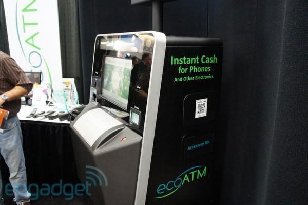 EcoATM có hình dáng giống máy rút tiền tự động, có thể thu hồi điện thoại cũ và trả bằng tiền mặt