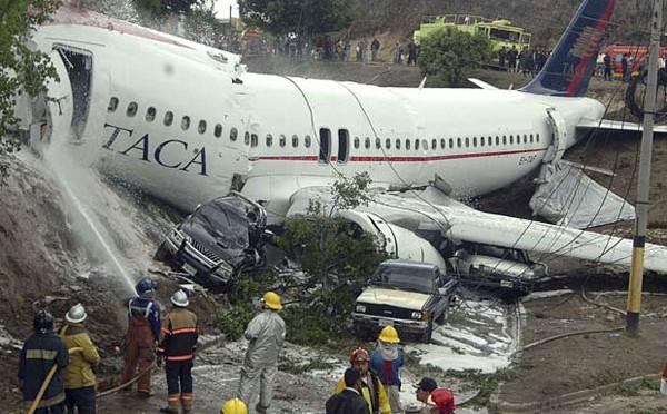 Ngồi phía sau sẽ có cơ hội sống sót cao hơn khi xảy ra tai nạn máy bay.
