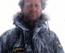 Ở tuổi 68, nhà thám hiểm Ranulph Fiennes bắt đầu hành trình xuyên Nam cực đầu tiên trong mùa đông