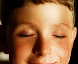 Các nhà nghiên cứu phát hiện, bộ não tranh thủ nghỉ ngơi khi chúng ta chớp mắt.