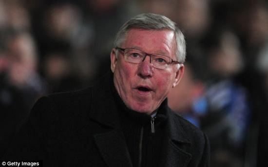 HLV Alex Ferguson luôn nhai kẹo cao su khi chỉ đạo trên sân.