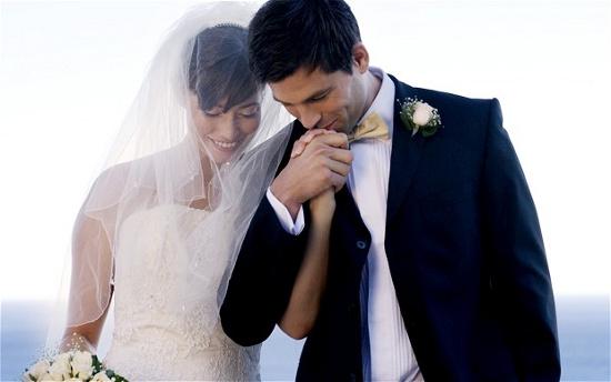 Hôn nhân giúp giảm nguy cơ mắc bệnh tim ở cả vợ lẫn chồng.