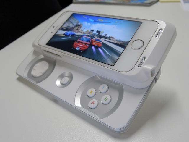 Tay cầm chơi game Junglecat của hãng Razer dành cho điện thoại iPhone 5, 5S - 3
